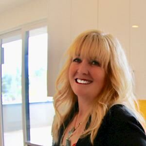 Gina Ard, Broker, e-PRO*, GRI, SRES in Seattle, Windermere