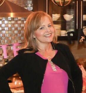 Holly Crone, Realtor® / Salesperson in Henderson, Windermere