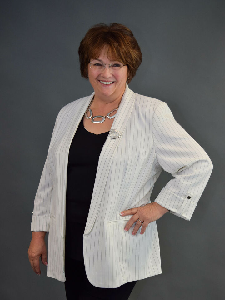 Spring Parsons, Broker in Columbus, BHHS Indiana Realty