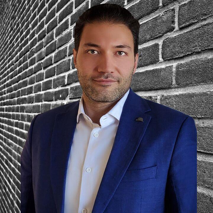 Mahdi Farahmandrad, Sales Representative in Montréal, CENTURY 21 Canada