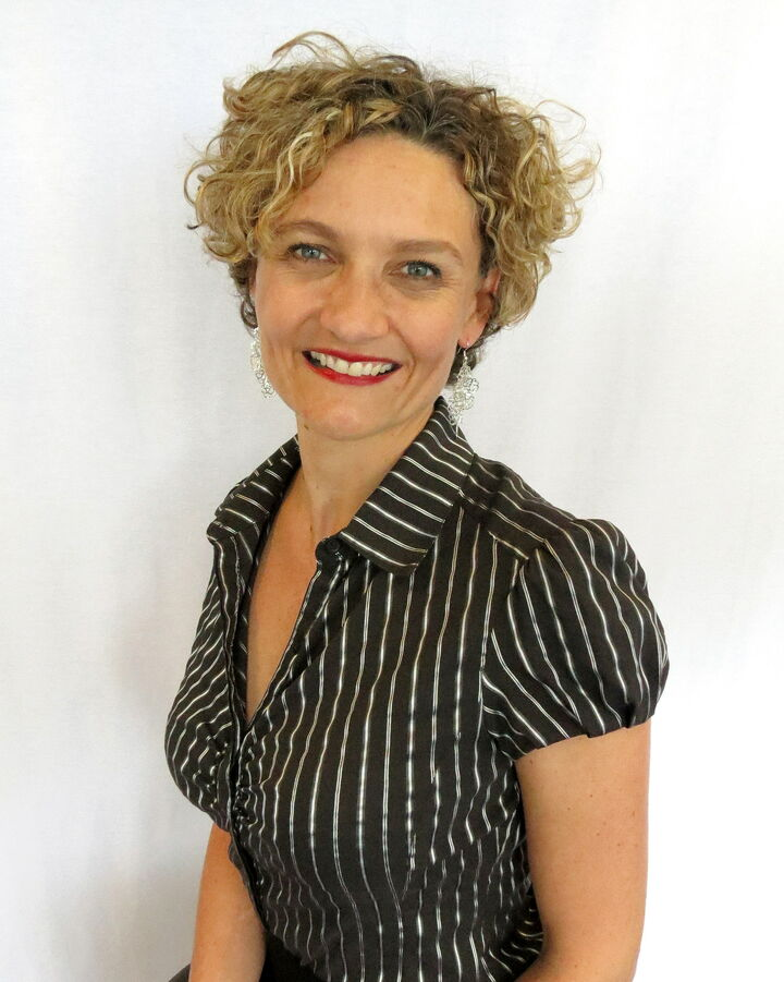 Louise Field, Licensed Real Estate Broker in Carmel, BHHS Indiana Realty
