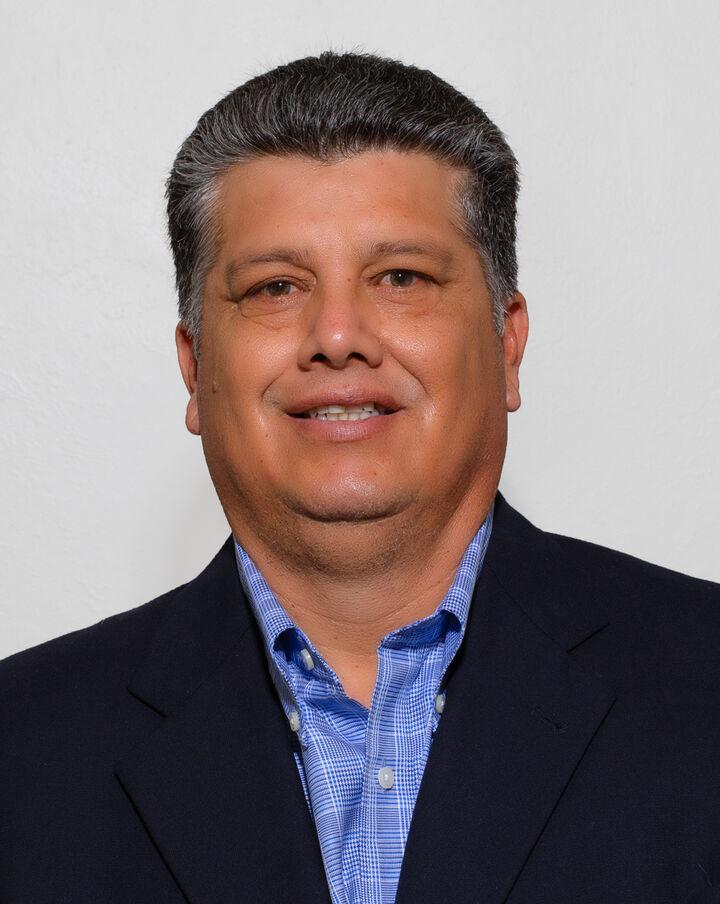 Augustine Martinez,  in San Jose, Sereno