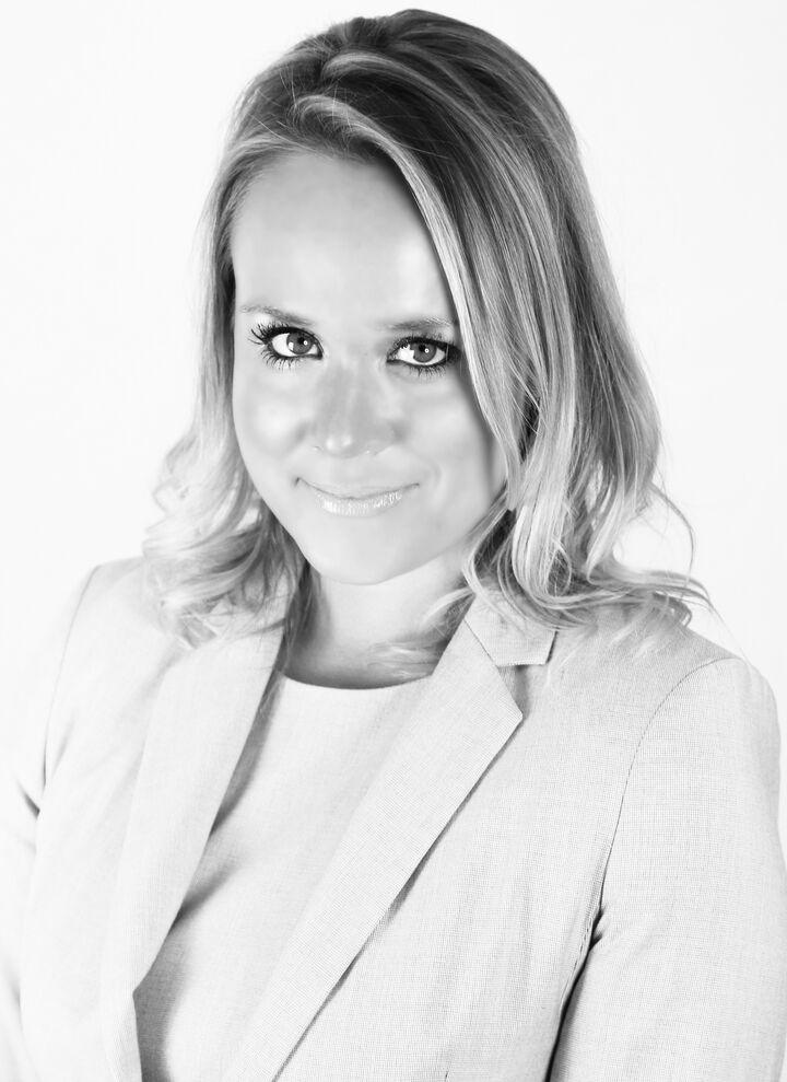 Abigail Halliday, Broker | REALTOR® in Peoria, Jim Maloof Realtor